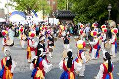 Корейский танец праздника Стоковые Изображения