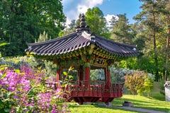 Корейский традиционный сад в Киеве, Украине в лете Стоковые Фотографии RF