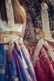 2 корейских девушки одетой в традиционном платье Стоковая Фотография RF