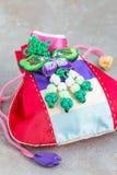 Корейское традиционное новое year& x27; сумка s удачливая на серой предпосылке, вертикали, космосе экземпляра Стоковое фото RF