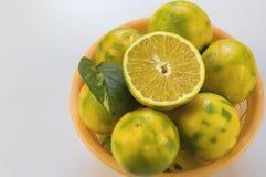 Корзина вполне лимона Стоковые Изображения