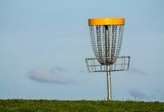 Корзина гольфа Frisbee стоковая фотография rf