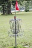 Корзина гольфа Frisbee Стоковые Изображения