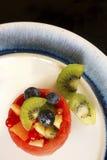 Корзина плодоовощ на сини Стоковые Изображения