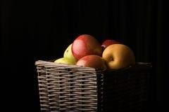 Корзина плодоовощ Стоковые Фотографии RF