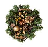 Корзина рождества плетеная с украшениями и ветвь сосны стоковое изображение