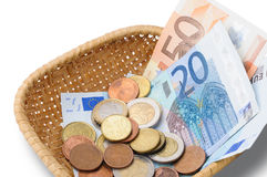 Корзина с деньгами евро Стоковые Фото