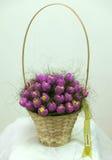 Корзина с искусственними цветками Стоковое Фото