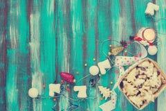 Корзина с печеньями для рождества тонизированное изображение Стоковые Фотографии RF