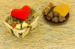 Корзина с сердцем и колоколами рождества Плита помадок Стоковое Фото