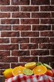 Корзина с цитрусовыми фруктами Стоковые Изображения RF