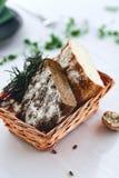 Корзина хлеба автора стоковое изображение