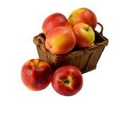 корзина яблок деревянная Стоковое Изображение RF