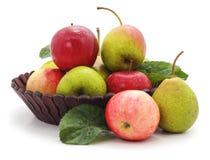 Корзина яблок и груш Стоковые Фотографии RF
