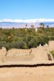 коричневая башня старая в Африке Марокко около неба Стоковое Изображение