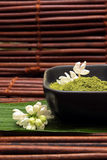 коричневая белизна спы грязи циновки цветка Стоковое Фото