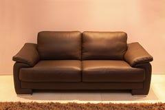 коричневая софа Стоковая Фотография