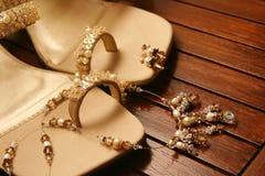 коричневые сандалии стоковые изображения rf