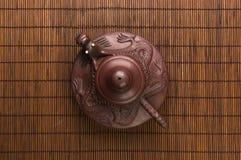 коричневый китайский чайник Стоковые Изображения RF