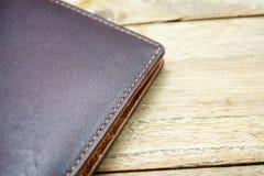 коричневый кожаный бумажник Стоковое фото RF
