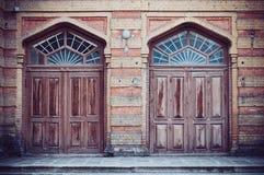 2 коричневых деревянных двери Стоковая Фотография