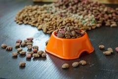 Корм для домашних животных в шаре Стоковая Фотография