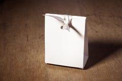 Коробка белой бумаги модель-макета Стоковое фото RF