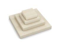Коробка в форме пирамиды на белой предпосылке 3d бесплатная иллюстрация