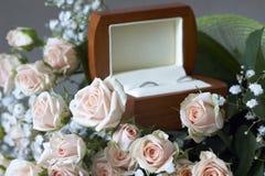 коробка звенит венчание Стоковые Изображения RF