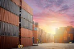 Коробка перевозки груза контейнера для логистических экспорта и доставки импорта Стоковое Изображение RF