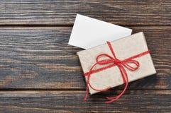 Коробка подарка год сбора винограда Стоковая Фотография RF