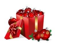 Коробка подарка Кристмас с шариками Стоковое Фото