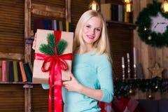 Коробка рождества, пуловер бирюзы, потеха Стоковые Фото
