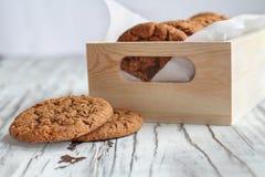 Коробка свежих печений овсяной каши стоковые изображения rf