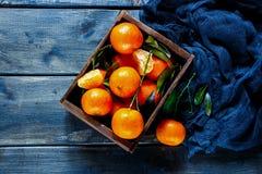 Коробка сочных tangerines Стоковое Изображение