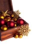 Коробка с baubles рождества стоковая фотография