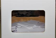 коробка ballot предпосылки голубая падая изолированная политическая красная белизна Стоковые Фото