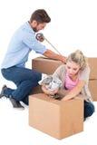 Коробки молодой упаковки пар moving Стоковые Изображения