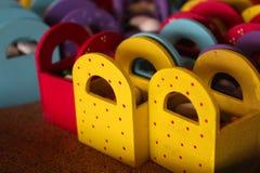 Коробки партии деревянные маленькие для конфет Стоковое Фото