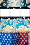Коробки попкорна на голубой предпосылке Стоковое Фото