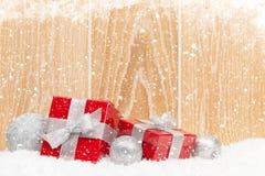 Коробки подарка рождества и декор Стоковое фото RF