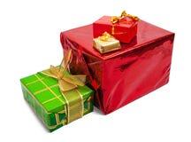 коробки предпосылки покрасили немногий подарок белым Стоковые Фото
