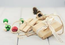 Коробки при подарок связанный с веревочкой Стоковое Изображение