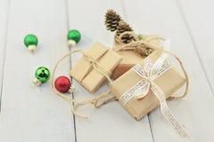 Коробки при подарок связанный с веревочкой Стоковые Фотографии RF