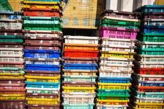 Коробки серых и белых пластичных труб в складе Стоковое Изображение