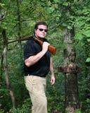 корокоствольное оружие нося человека Стоковое фото RF