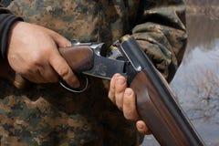 Корокоствольное оружие загрузки Стоковое фото RF
