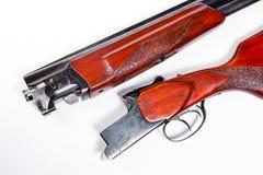 Корокоствольное оружие звероловства на белой предпосылке Стоковое фото RF