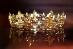 Королевская крона для короля или ферзя Символ силы и богатства Стоковая Фотография RF
