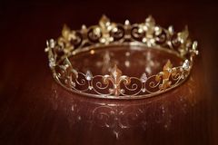 Королевская крона для короля или ферзя Символ силы и богатства Стоковое Изображение RF